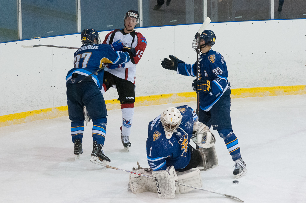 """Optibet hokeja līgas regulārā čempionāta spēlē 2017. gada 09. decembrī ledus hallē """"Rīga"""" starp """"HS Rīga"""" un """"Zemgale/LLU""""."""