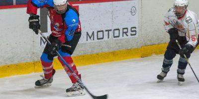 """Latvijas 1. līgas spēle starp """"Zemgale/JLSS"""" un """"Pārdaugava/Jūrmala"""" Jelgavas ledus hallē 2017. gada 17. decembrī."""