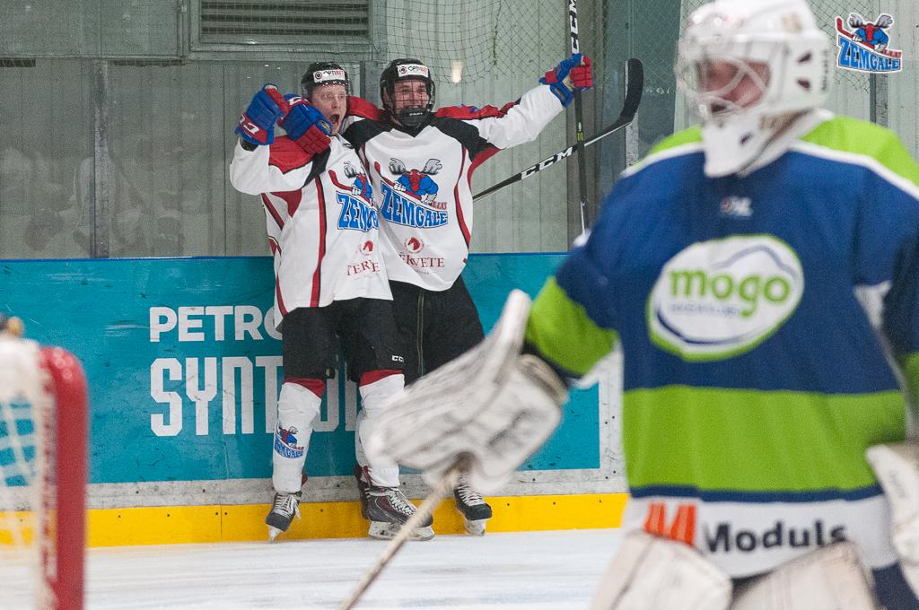 """Optibet hokeja līgas izslēgšanas spēļu kārtas pusfināla pirmā spēle starp HK """"Mogo"""" un HK """"Zemgale/LLU"""" Mogo ledus hallē, Rīgā, 2018. gada 24. februārī. Bernhards Aploks"""