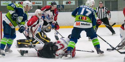 """Optibet hokeja līgas izslēgšanas kārtas otrā spēle starp """"Mogo"""" un """"Zemgale/LLU"""", Mogo ledus hallē, Rīgā, 2018. gada 25. februārī. Cimermanis"""