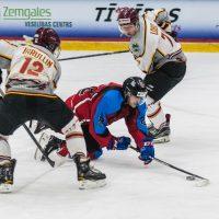 """Optibet hokeja līgas regulārā čempionāta spēle starp HK """"Zemgale/LLU"""" un HK """"Lido"""" Jelgavas ledus hallē, 2018. gada 17. oktobrī."""