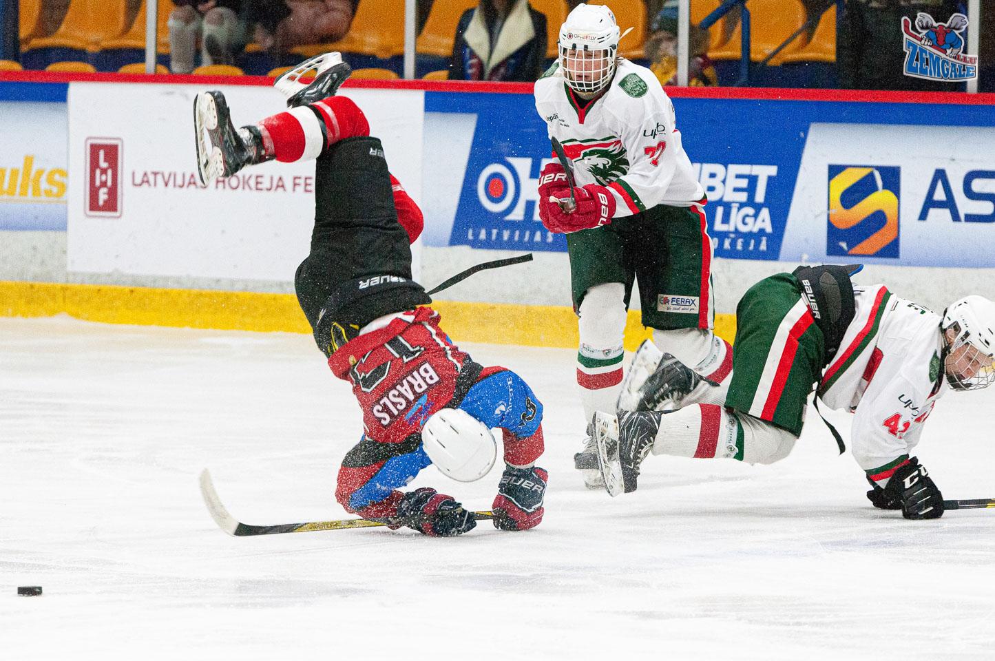 """Jaunatnes attīstības hokeja līgas (JAHL) regulārā čempionāta spēle starp """"Zemgale Juniors"""" un """"Liepāja SSS"""" Jelgavas ledus hallē 2020. gada 19. janvārī.   Foto: Ruslans Antropovs / rusantro.com"""