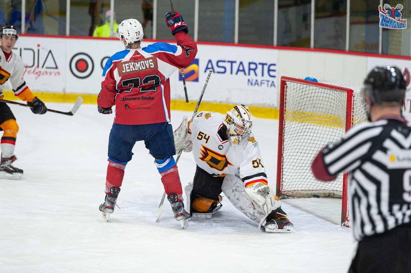 hokejs-9