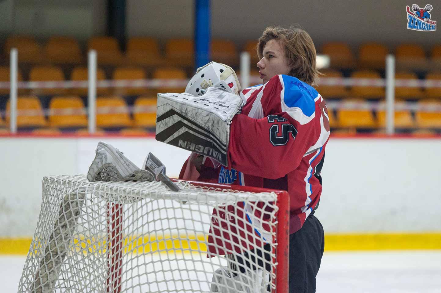 hokejs-11